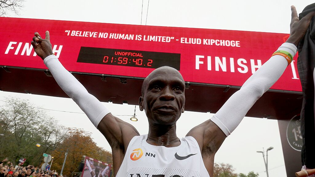 Photo of Kenya's Eliud Kipchoge becomes first person to shatter 2-hour marathon barrier