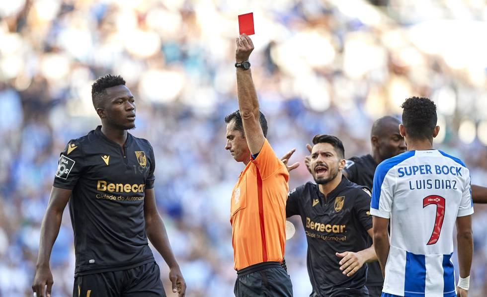 Photo of Los insultos están permitidos en el fútbol portugués, según un tribunal