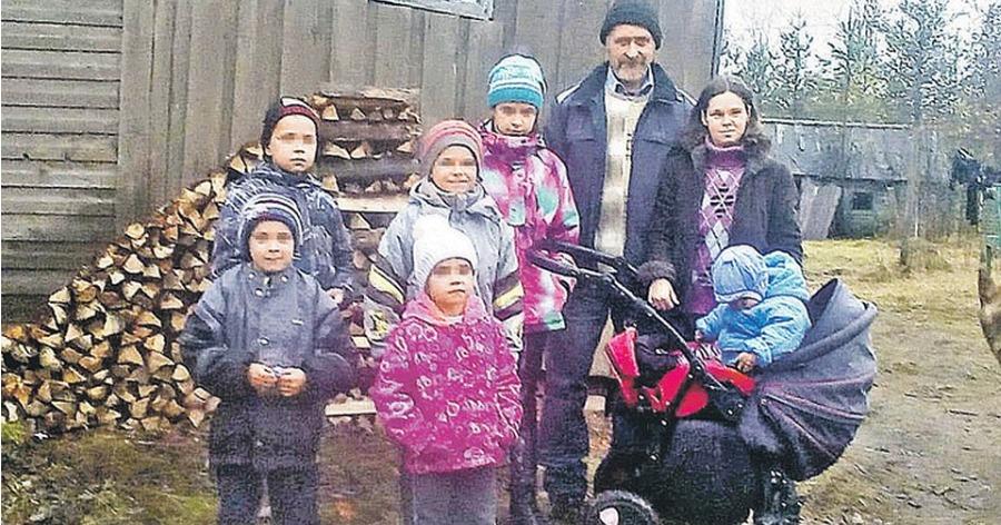 Вологодская семья сбежала в глухую деревню, чтобы не отобрали детей