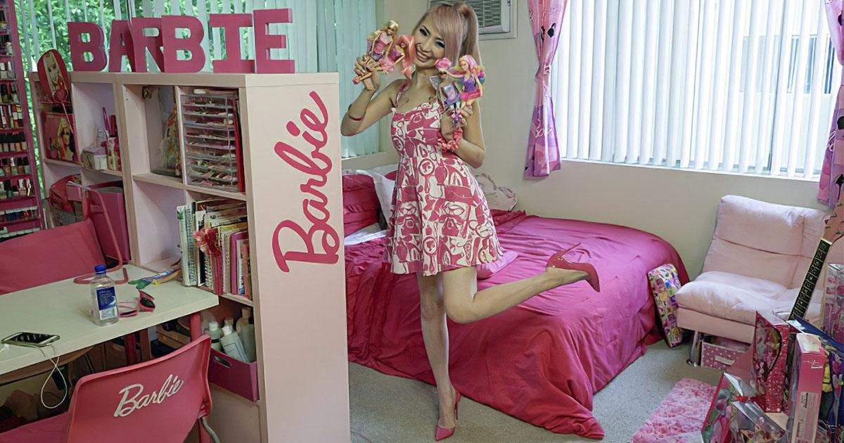 Американка потратила целое состояние, чтобы жить в домике Барби