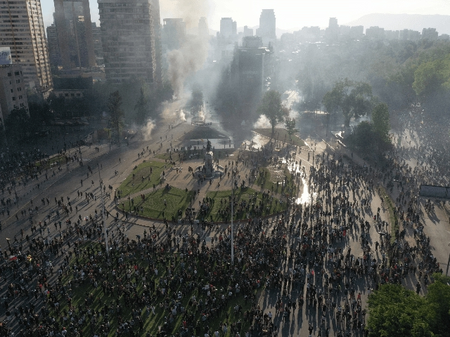 Photo of 11 Killed in Chile Riots Triggered by Proposed Subway Fare Hike