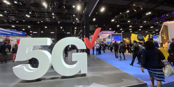 Photo of At MWC Los Angeles, 5G and XR began staking their claims to the future