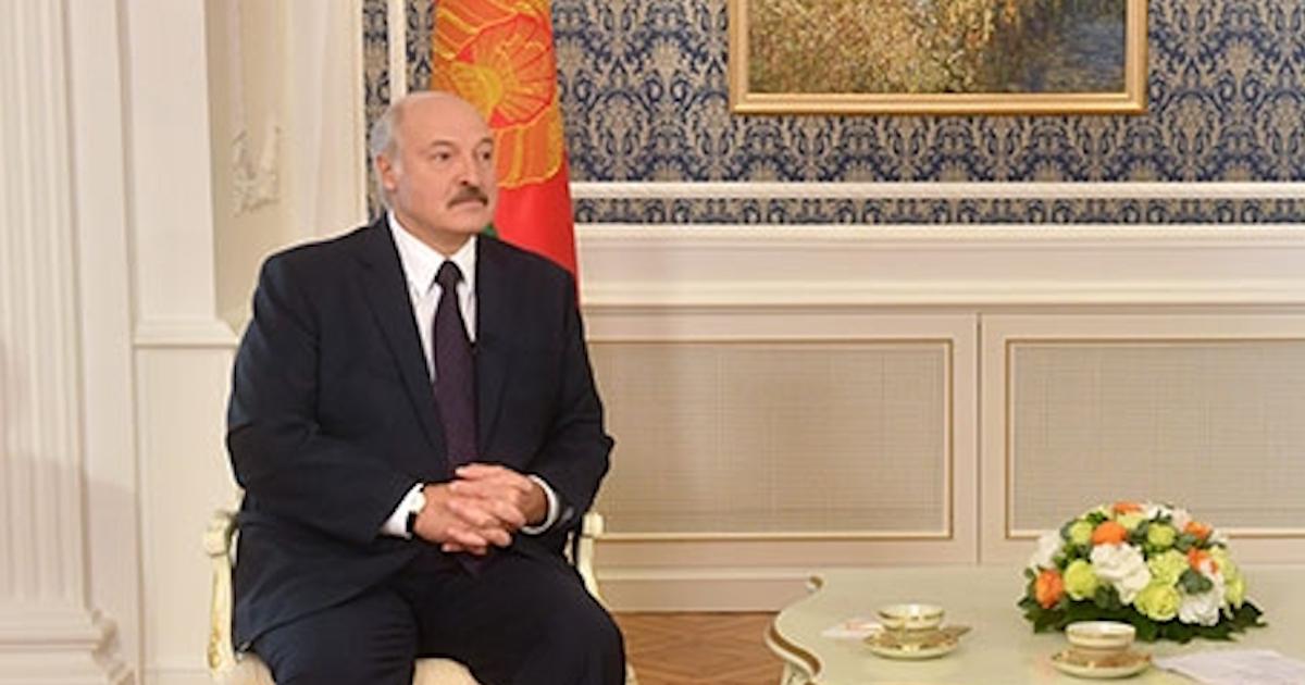 """Лукашенко посчитал Великую отечественную """"не нашей войной"""""""