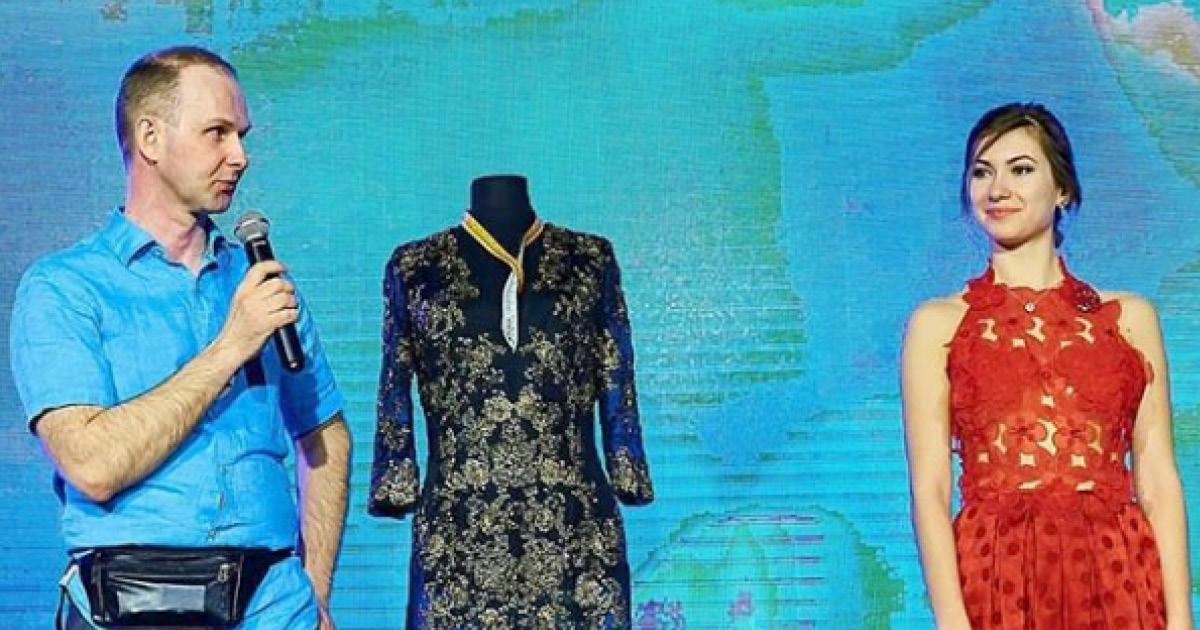 Фото Слесарь из Перми шьет платья, от которых модели приходят в восторг