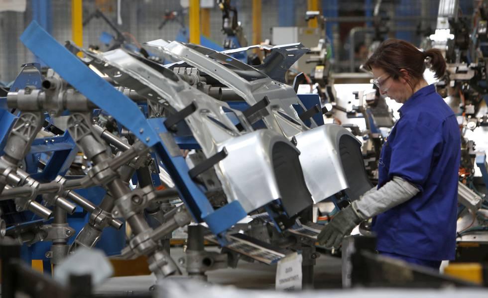 Photo of El traslado de la producción de motores de Ford pone en riesgo 900 puestos de trabajo en Almussafes