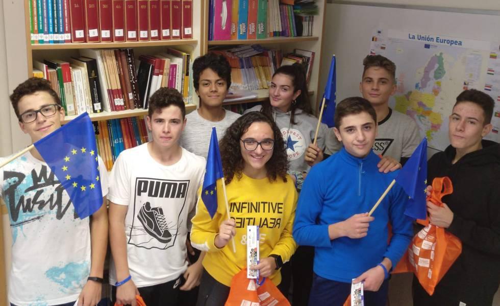 Photo of Bruselas abre embajada en 105 escuelas