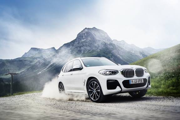 Photo of BMW X3 xDrive30e is a plug-in hybrid SUV made in America