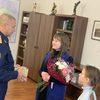 Спасшую ребенка от стаи собак красноярку наградили за гражданский подвиг