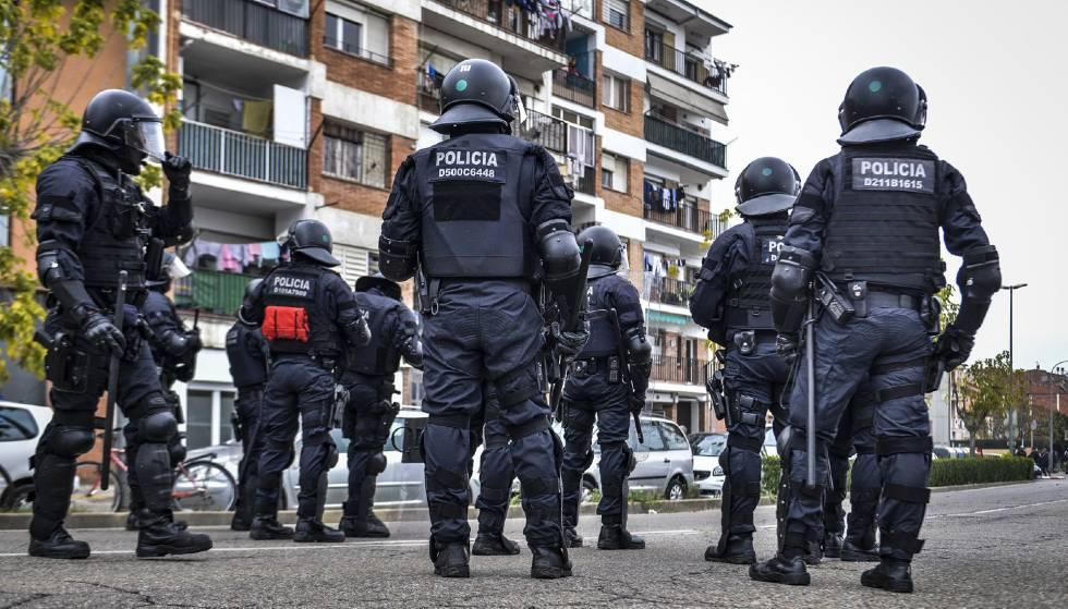 Photo of Los Mossos identifican el coche de la hija de Torra en una acción para cortar el AVE en Girona