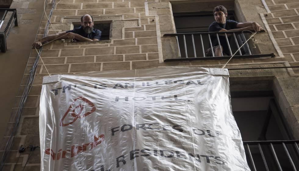 Photo of Barcelona prohíbe nuevos pisos turísticos a la espera de la regulación del Govern
