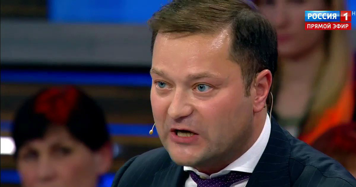41-летний политик Никита Исаев ушел из жизни в поезде на Москву