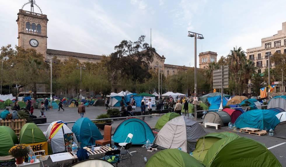 Photo of Cerca del 70% de las tiendas de la acampada de Barcelona están vacías