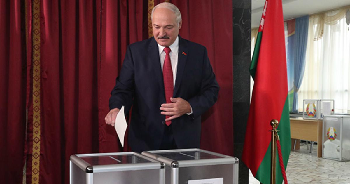 Фото Лукашенко в шестой раз идет на выборы президента Белоруссии