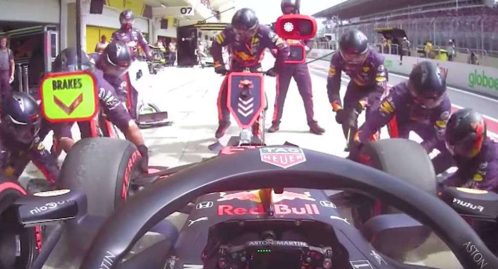 Photo of Don't blink or you'll miss this record-setting 1.82 second Formula 1 pit stop
