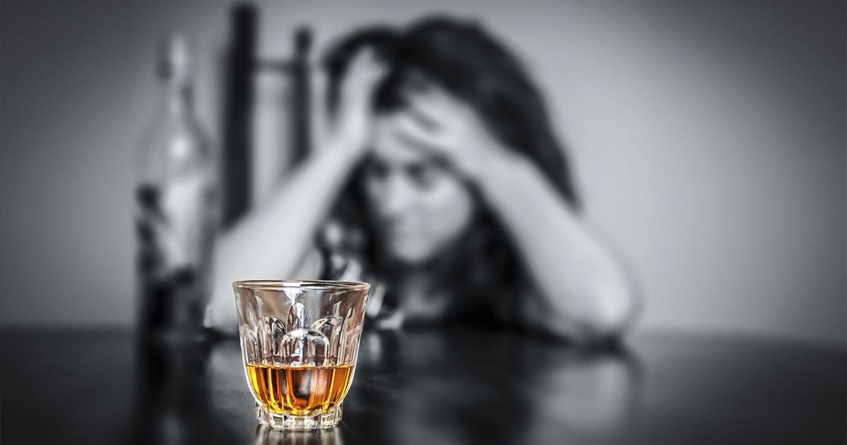Фото Ученый объяснил, почему похмелье сопровождается чувством стыда и тревоги
