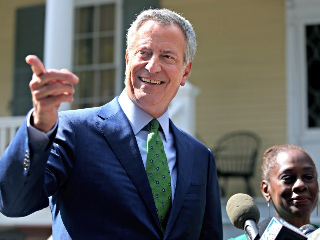 Photo of Bill de Blasio to Gift 900 Freed Inmates with Mets Tickets, Movie Passes for Showing Up to Court