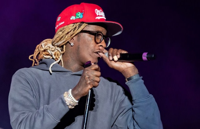 """Photo of Watch Young Thug Bring a Fan Onstage for """"Pick Up the Phone"""" Performance"""