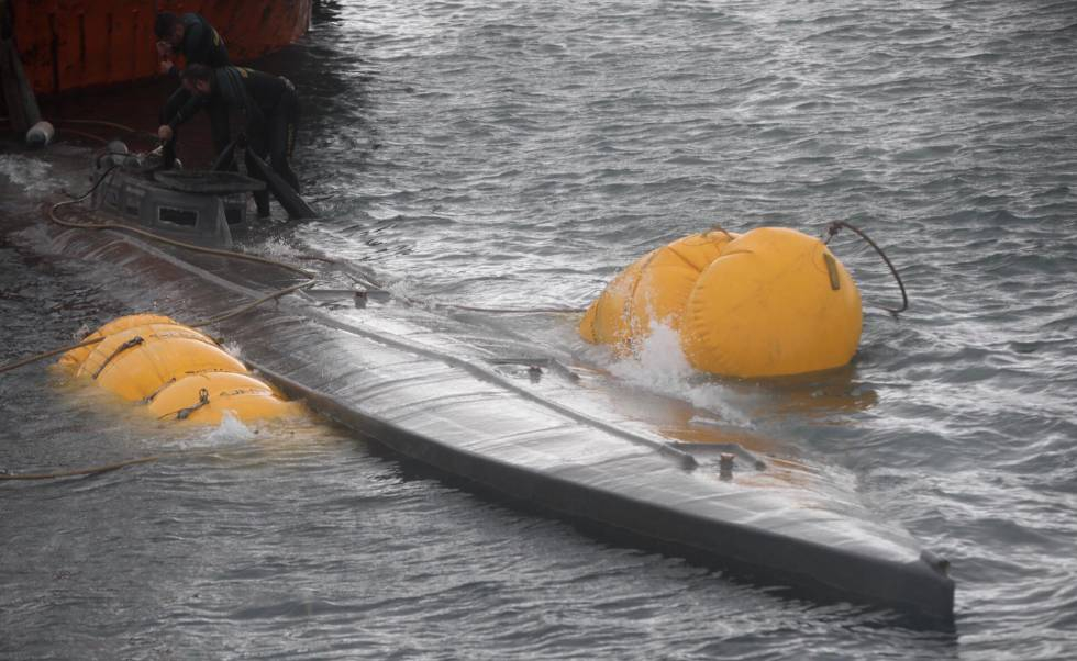 Photo of El 'narcosubmarino' llega a puerto en Pontevedra