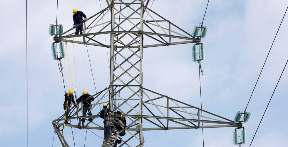 Photo of Red Eléctrica plantea un ajuste de hasta el 10% de la plantilla por el recorte de retribución