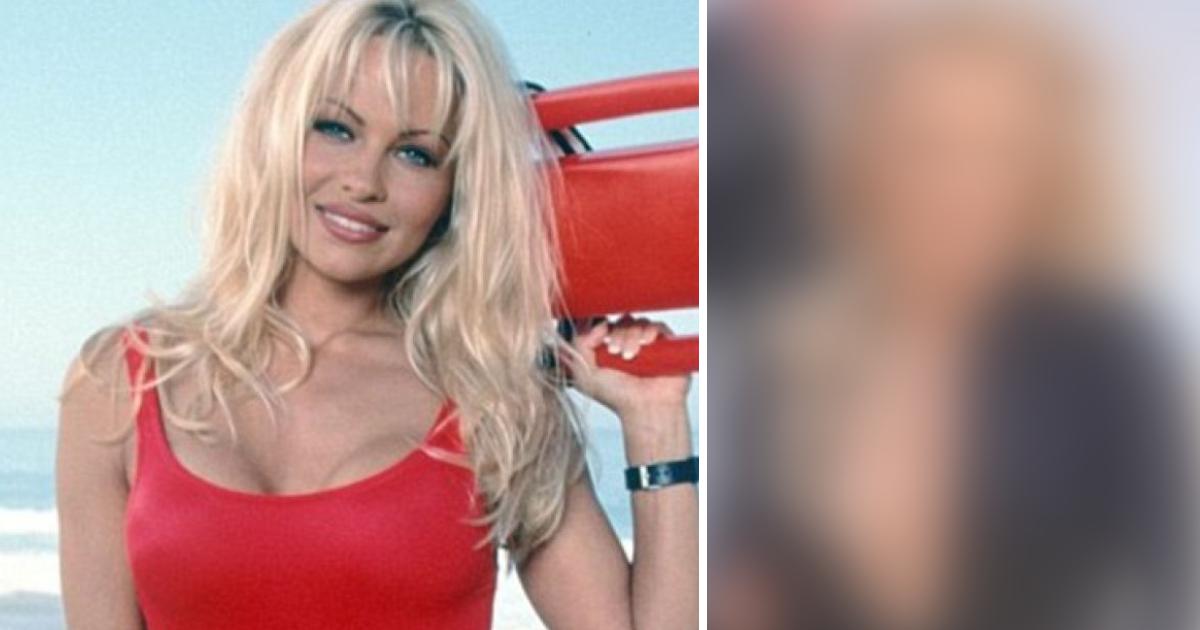 52-летняя Памела Андерсон снялась на пляже в обтягивающем комбинезоне