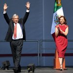 Photo of As Troubles Grow, Mexicans Keep the Faith With Their President
