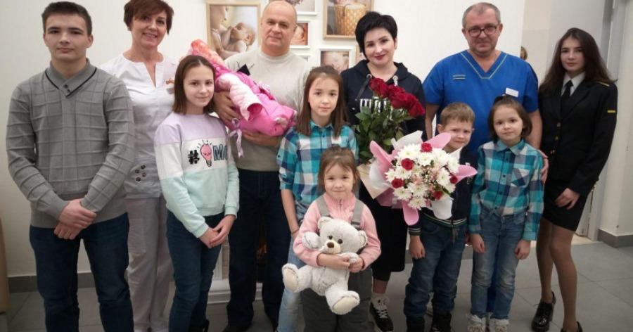 Жительница Коломны в 41 год родила девятого ребенка