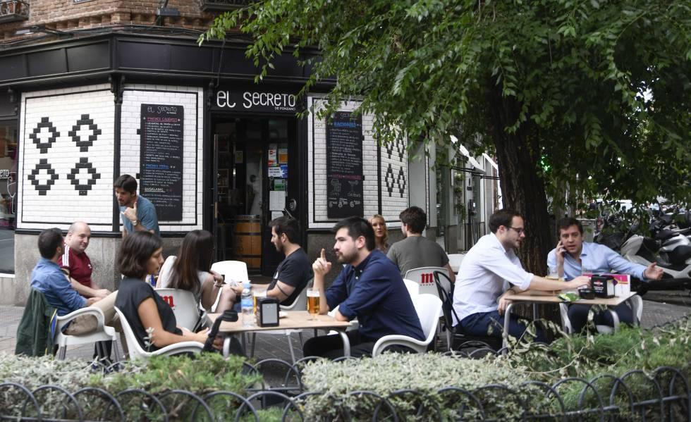 Photo of España sigue cerrando bares: desaparecen 2.400 al año desde 2010