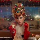 Кэти Перри дарит подарки Санта-Клаусу  в рождественском клипе