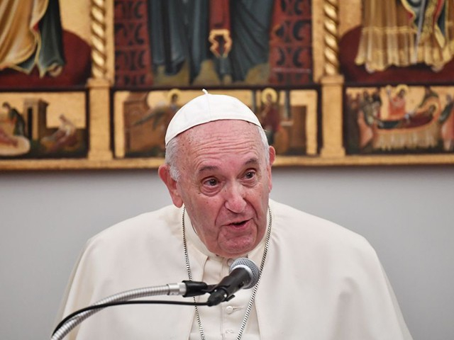 Photo of Pope Francis Scolds Nations for 'Weak' Response to Climate Crisis
