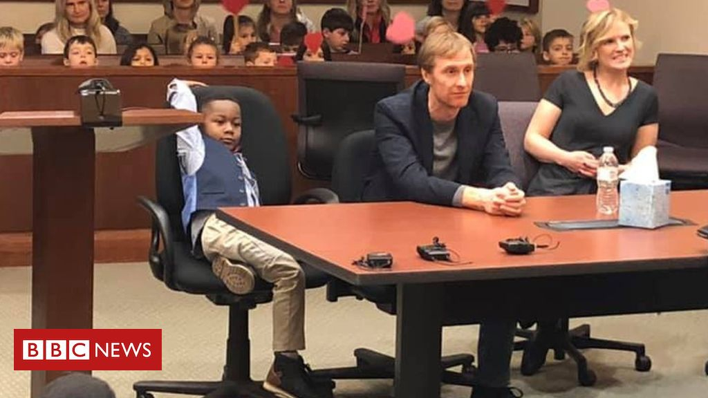 Photo of Boy, 5, invites entire class to watch his adoption