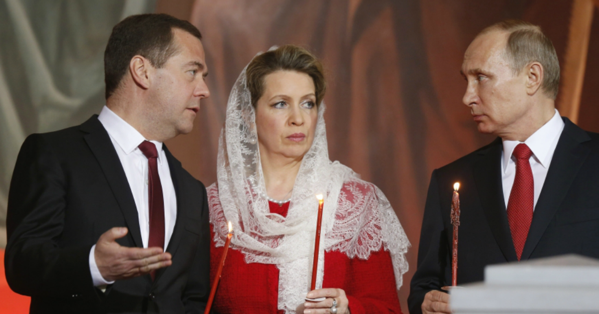 Фото Пресс-служба Медведева отреагировала на расследование о самолете его жены