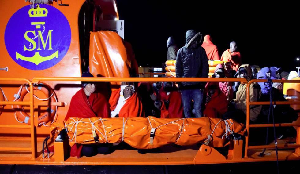 Photo of Una patera con 26 personas llega a Tenerife y otras 26 son rescatadas a 50 millas de Gran Canaria