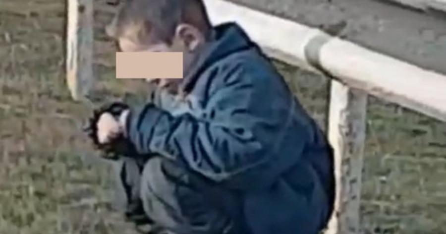 Под Ейском автоледи нашла на обочине шестилетнего ребенка