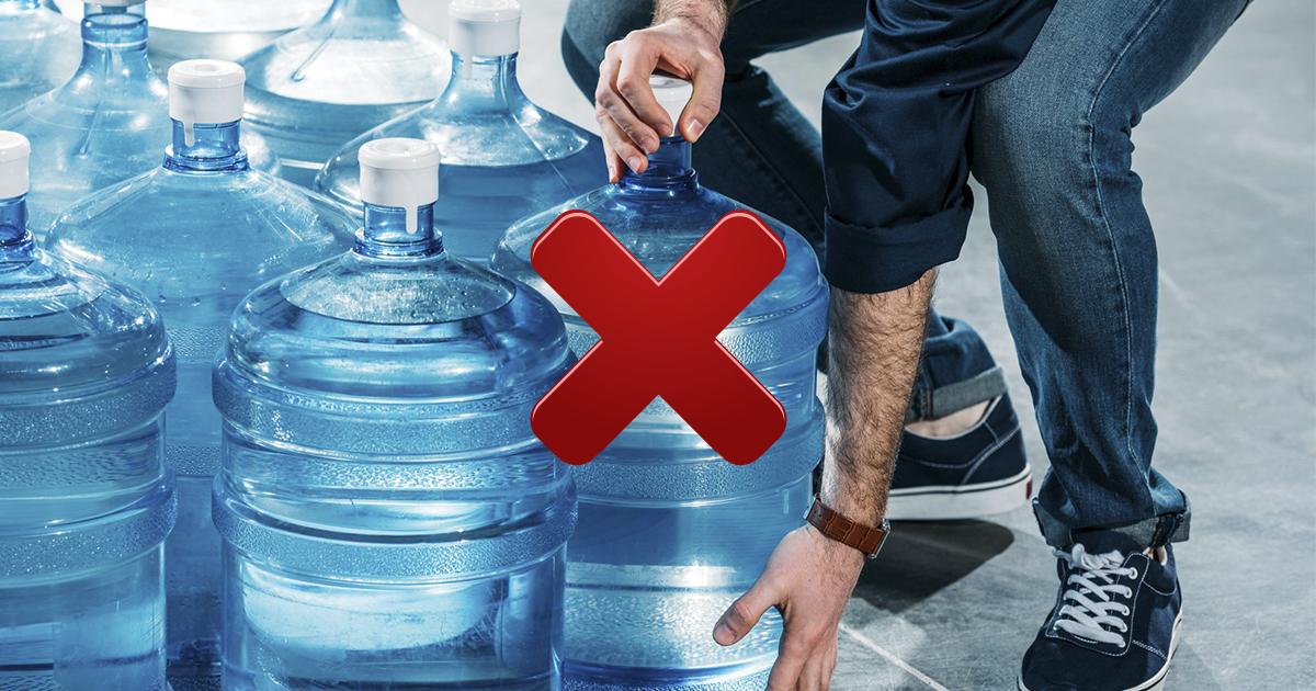 Чрезмерное употребление воды несет в себе риски для здоровья