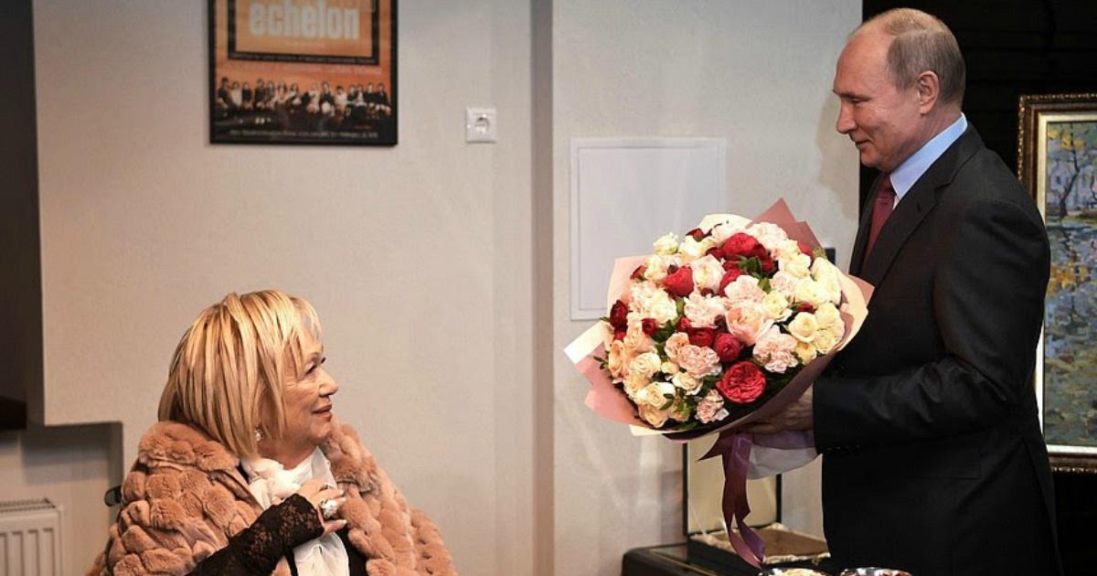Подруга Волчек опубликовала фото актрисы с их последней встречи