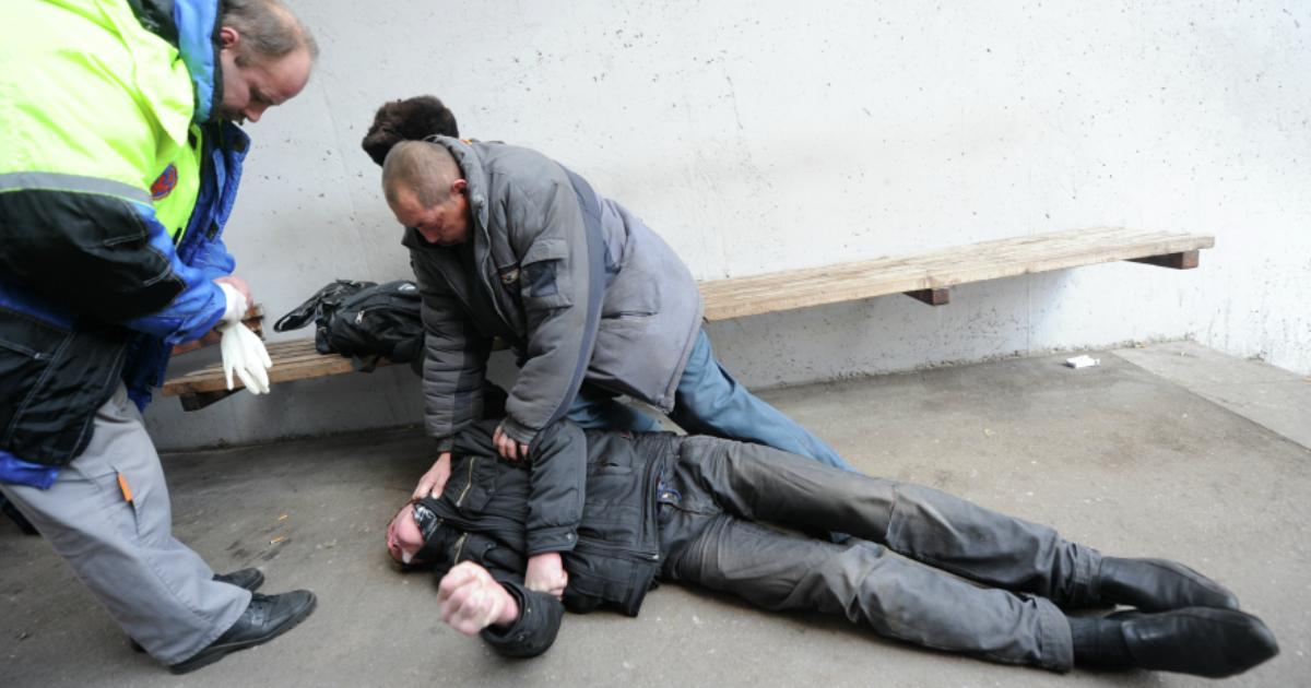 Фото Бомж отсудил 140 тыс. рублей у финтес-клуба, в котором жил