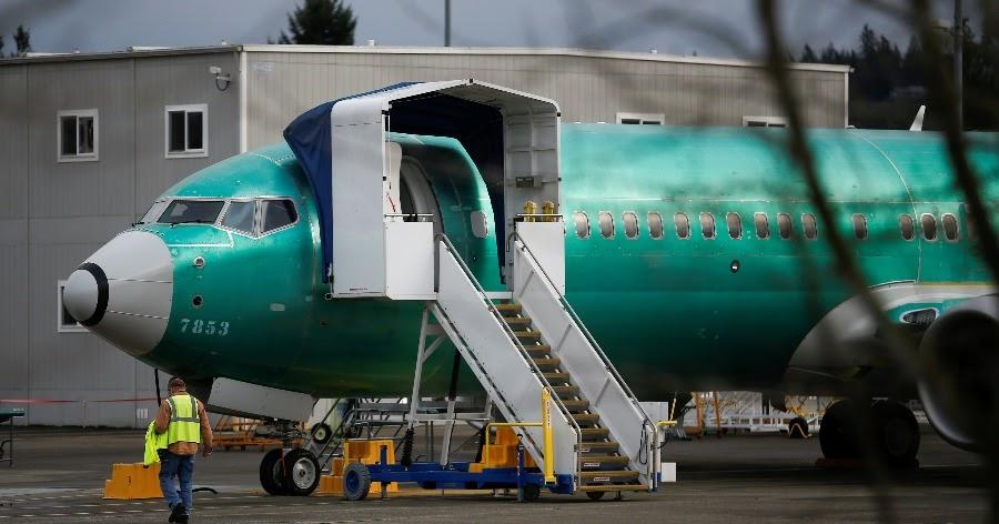 "Фото Сотрудники Boeing о 737 MAХ: самолет ""спроектирован клоунами"" и опасен"