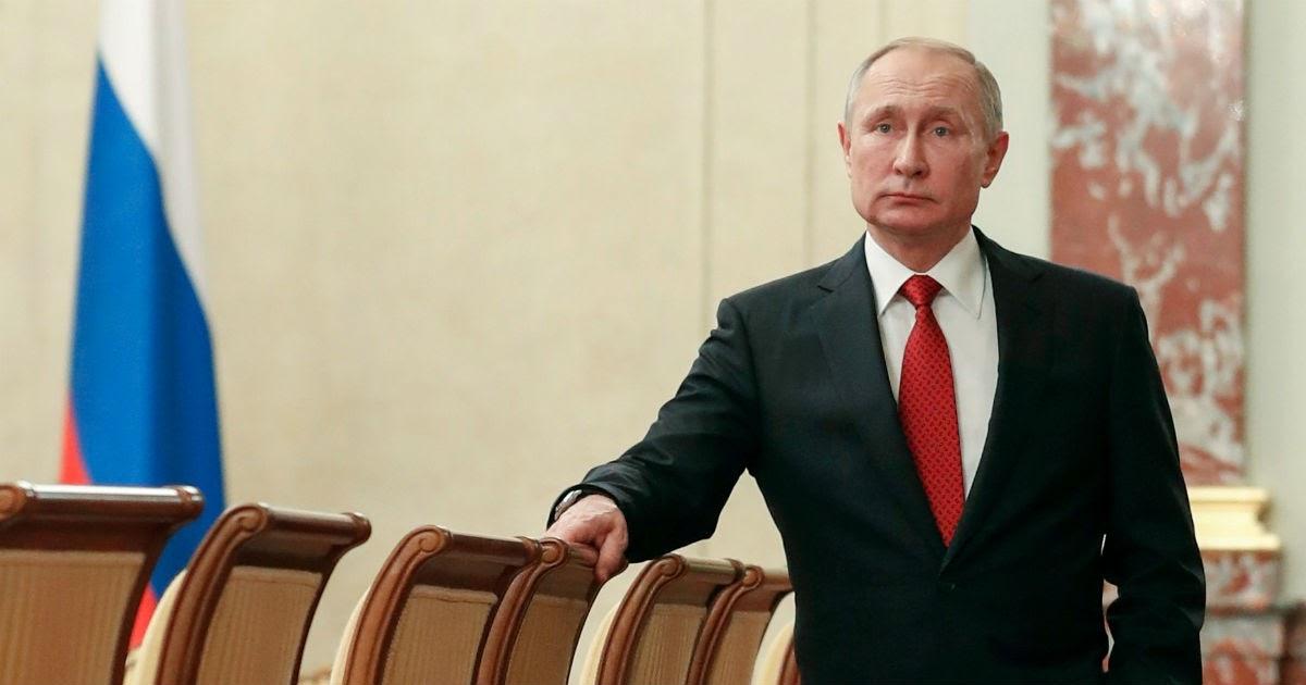 Трансфер начался. Пресса назвала, куда может уйти Путин после 2024 года