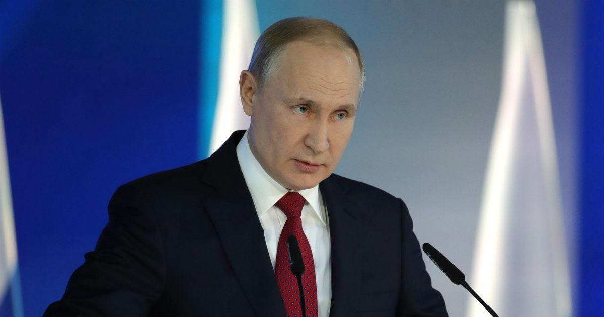 """Фото """"Ни при каких обстоятельствах"""". Что Путин говорил о поправках к Конституции раньше"""