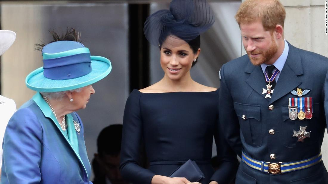 Photo of Prince Harry rejoins Meghan and Archie in Canada, leaving royal life behind