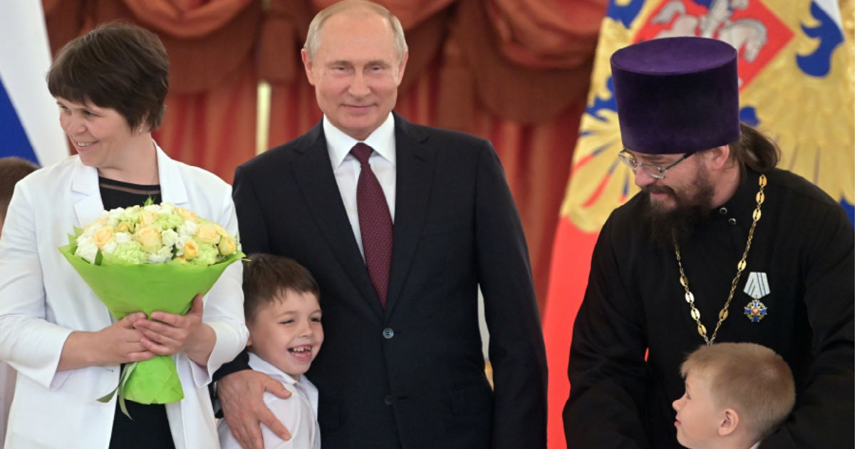 Путин против Водонаевой. Почему маткапитал - это хорошо?