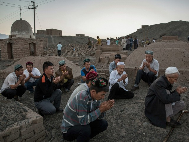 Photo of Uyghurs: Chinese Concentration Camp Prisoners at High Risk for Coronavirus