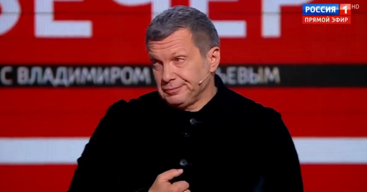 Телеведущий Владимир Соловьев расплакался во время эфира