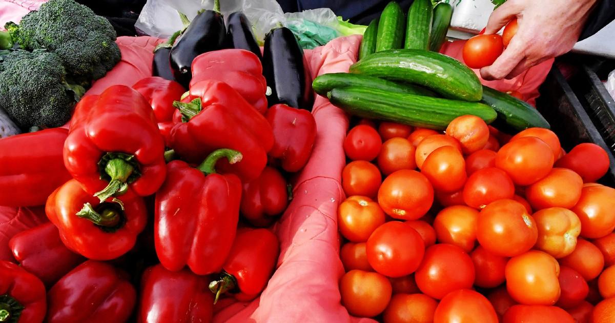 """Фото """"Магнит"""" отказался от овощей и фруктов из Китая. Что происходит?"""