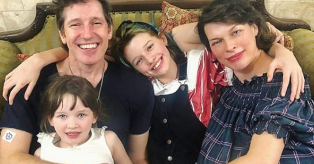 Фото Поправилась на 25 кг: Милла Йовович родила третьего ребенка