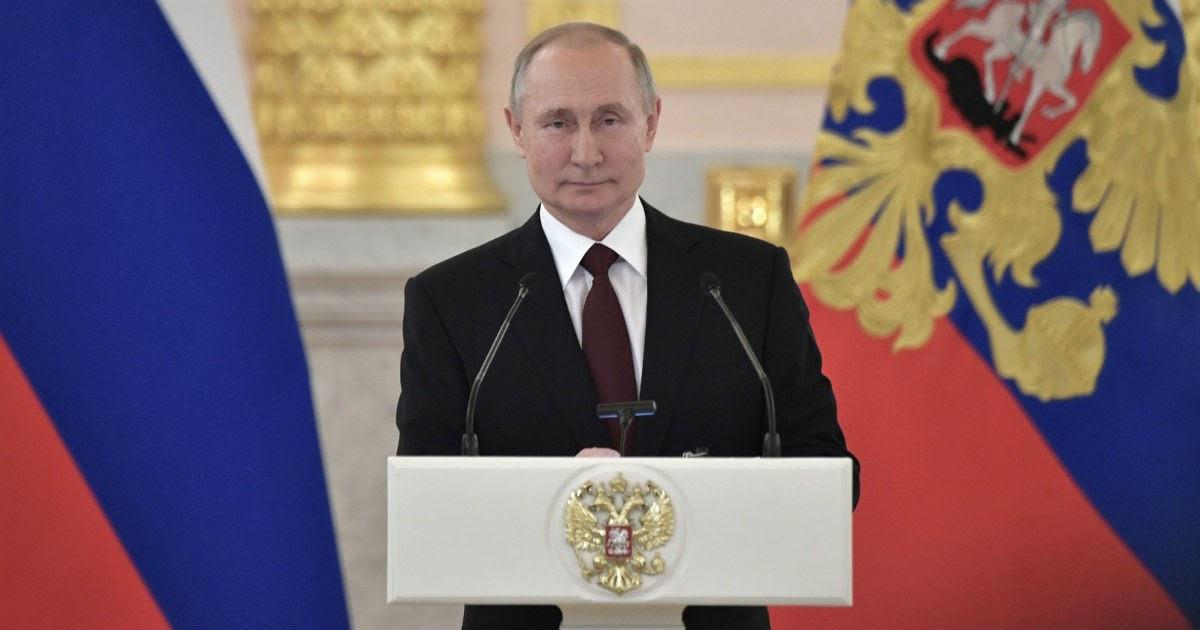 """Фото """"Не подачка, а подарок"""". Путин подписал указ о выплате 75 тыс. ветеранам"""