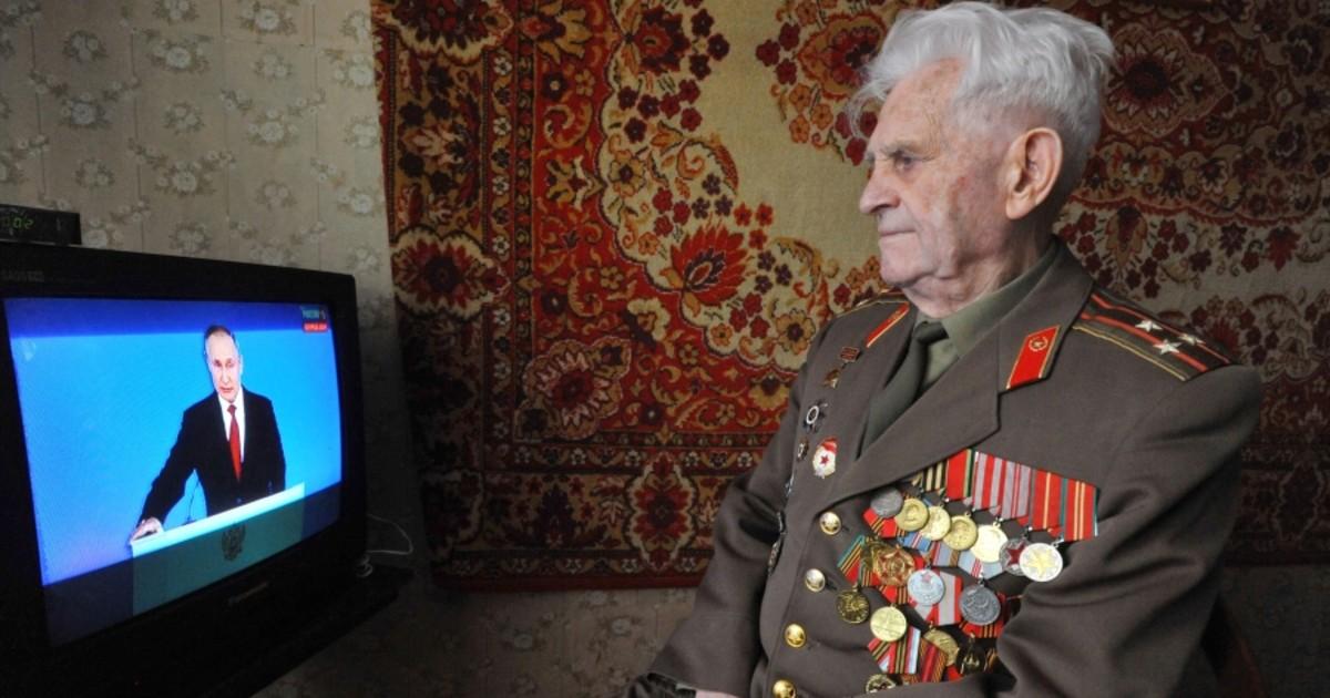 Правительство назвало, кто получит 75 тыс. по «ветеранскому» указу Путина