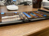 Пользователи сообщают о первых проблемах с экраном Motorola RAZR