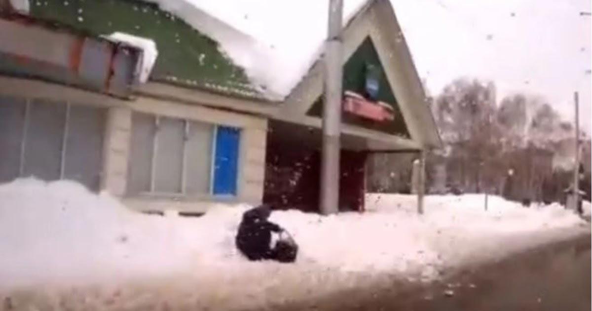 Фото Водитель из Стерлитамака получил крупный штраф, решив помочь старушке