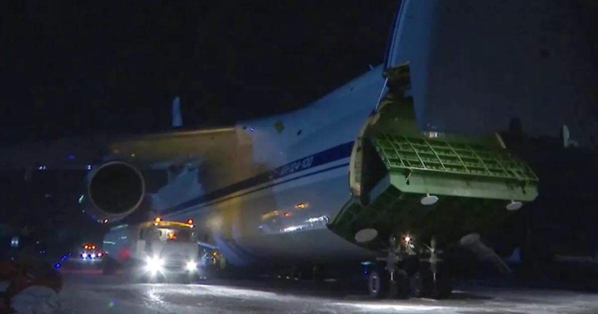 «В беде не бросим»: самолет РФ с медицинской помощью приземлился в Нью-Йорке